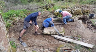 Moving some large lumps of granite involved team work and plenty of doughnuts