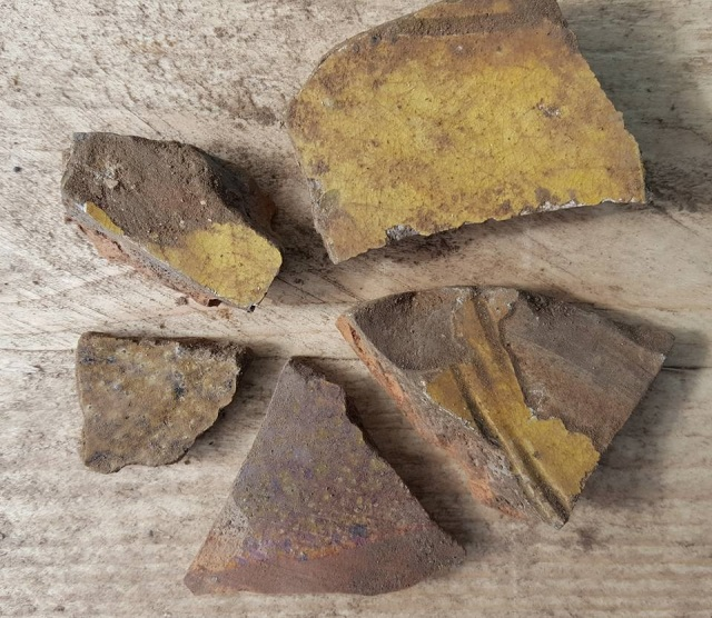 25.04.17 Pottery fragments_Emma Stockley
